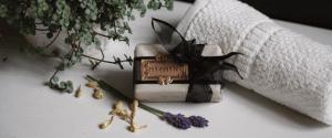 MYTHYN Artisan Silk Soaps