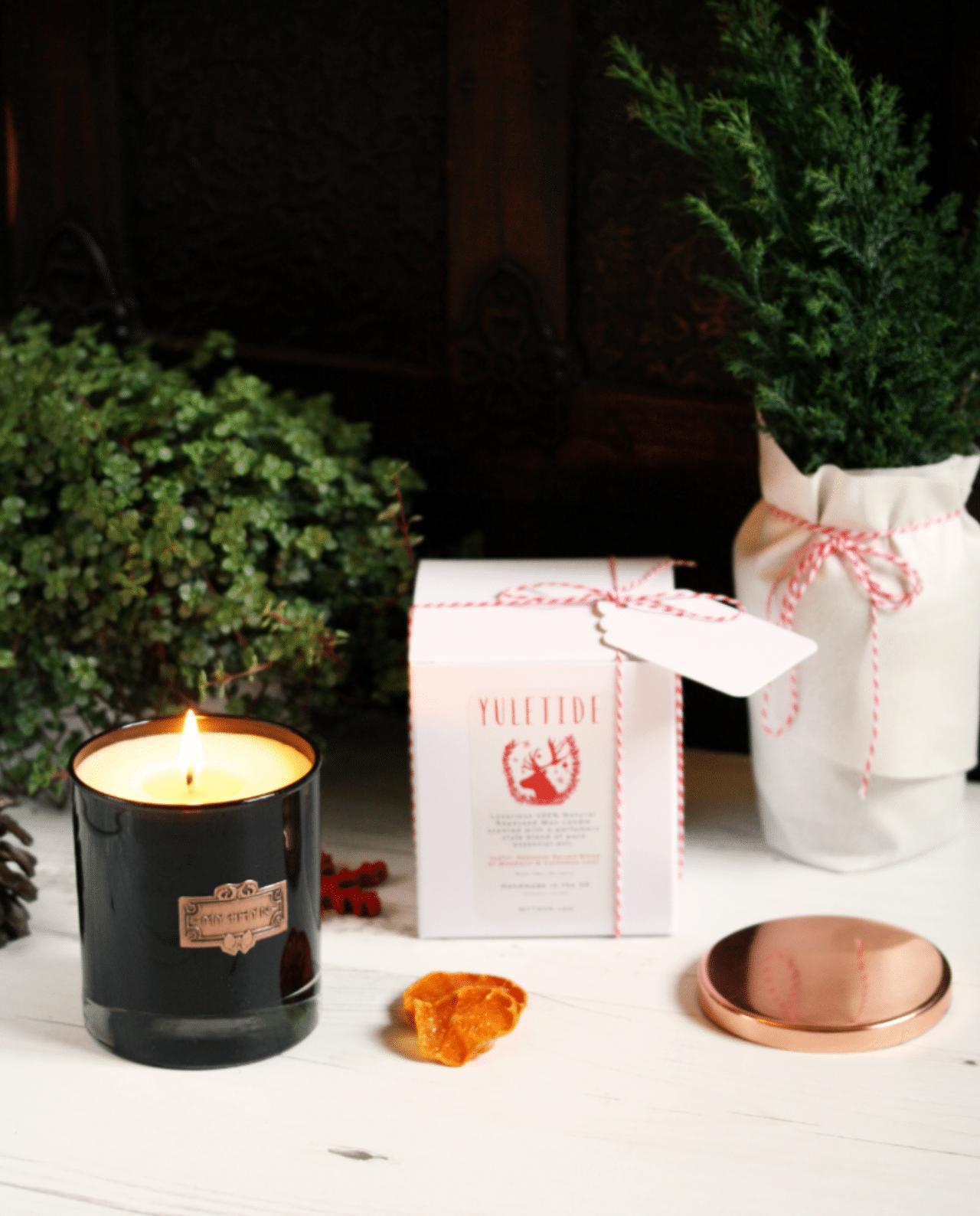MYTHYN Yuletide Christmas Candle