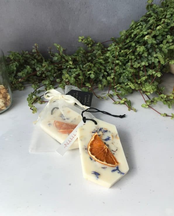MYTHYN - Botanical Scented Wax Tablet - Mandarin and Patchouli - 1280x1588