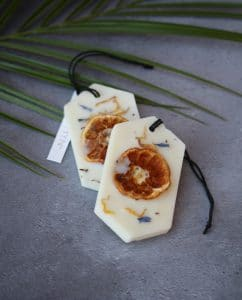 Botanical Scented Wax Tablets - Mandarin and Patchouli · MYTHYN