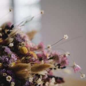 MYTHYN - Scenting Your Home Naturally with Dried Flowers